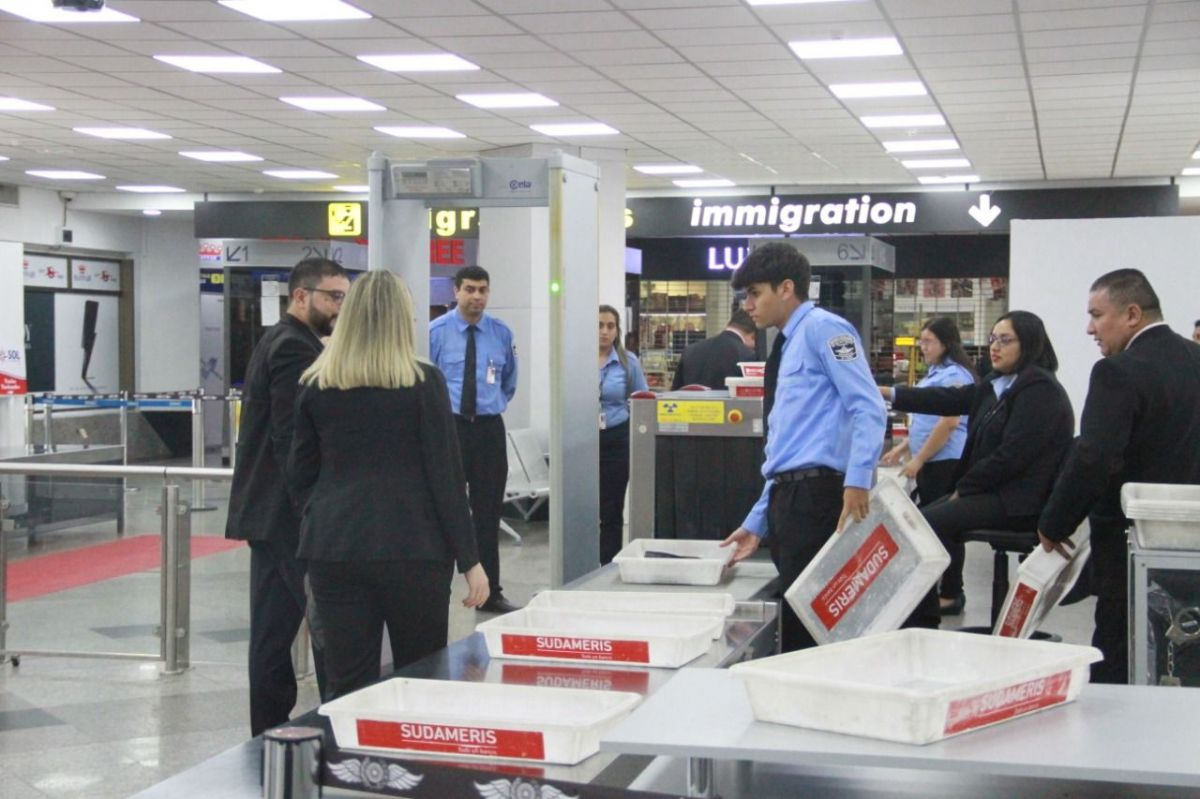http://www.lavozdigital.com.py//assets/Dinac-.-Aeropuerto.jpg