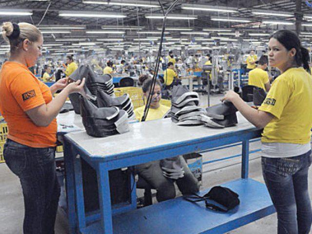 http://www.lavozdigital.com.py//assets/Trabajadores.jpg