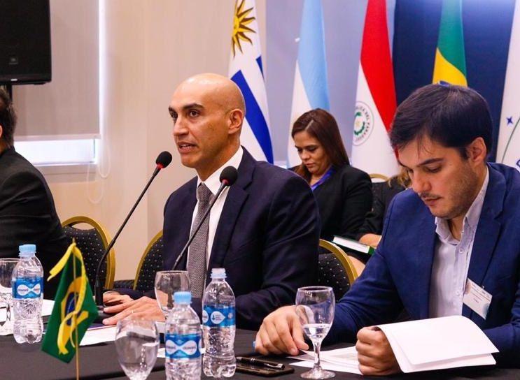 El ministro de Salud Pública, Julio Mazzoleni y el director de Vigilancia de la Salud, Guillermo Sequera. GENTILEZA